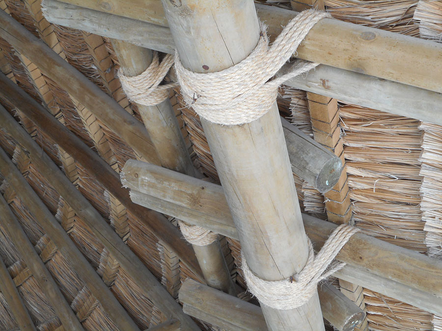 Tying A Roof Frame Together With Knots Protradecraft