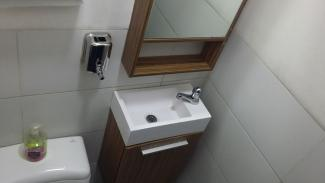 tiny-bathroom-1.jpg
